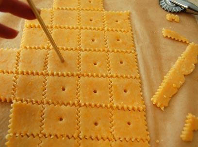 Make Your Own Amazing Homemade Cheese Crackers Happy