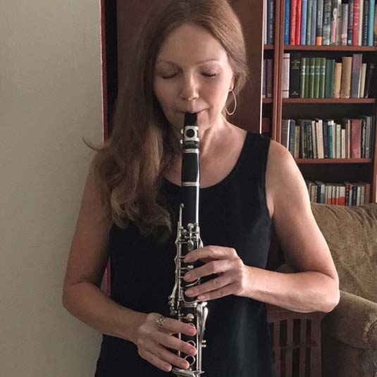 Eliza Cross playing the clarinet