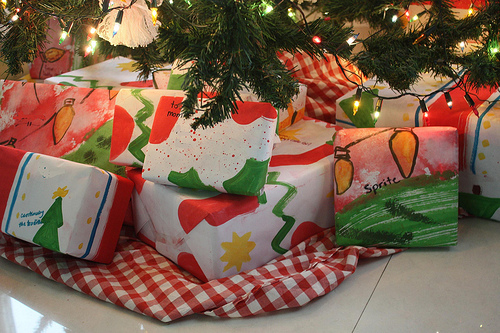 Homemade wrapping paper at Happy Simple Living blog