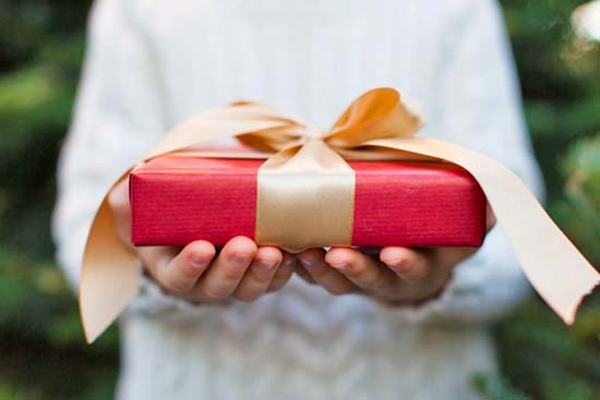 5 myths to let go about giving gifts | Happy Simple Living blog